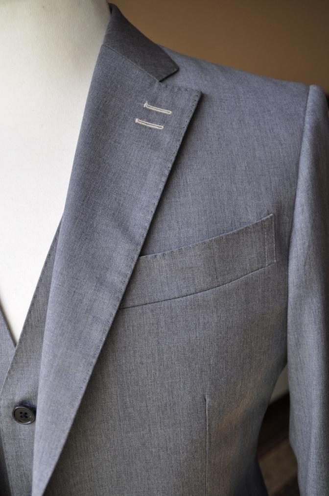 DSC3389 お客様のスーツの紹介-BIELLESI 無地ライトグレースリーピース-