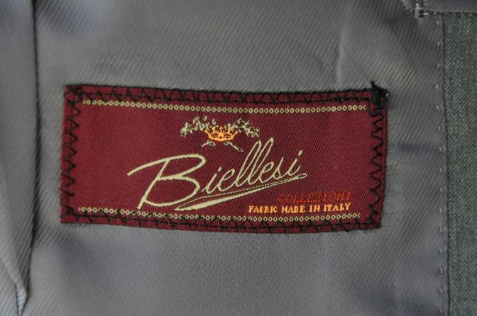 DSC3397 お客様のスーツの紹介-BIELLESI 無地ライトグレースリーピース-