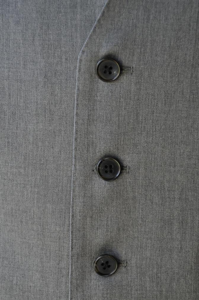DSC3399 お客様のスーツの紹介-BIELLESI 無地ライトグレースリーピース-