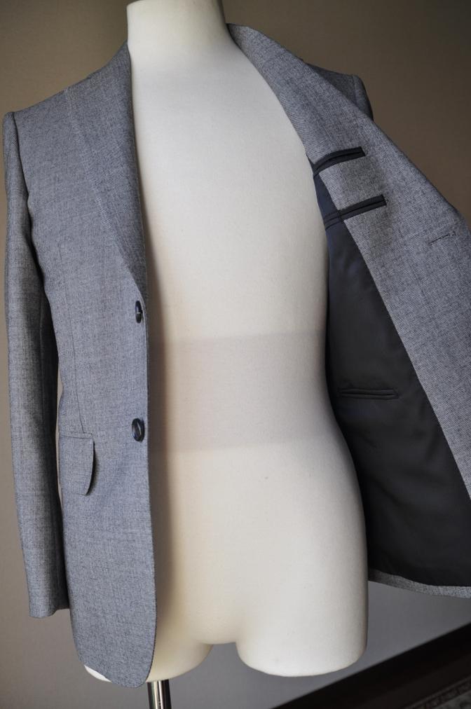 DSC3412 お客様のスーツの紹介-グレースーツ-