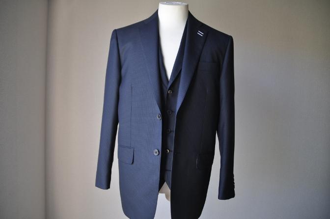 DSC3415 お客様のスーツの紹介-ネイビー千鳥格子 スリーピース-