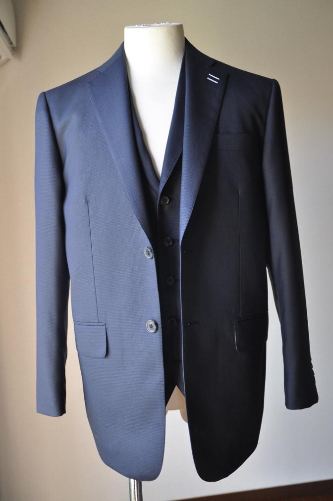 DSC3417 お客様のスーツの紹介-ネイビー千鳥格子 スリーピース-