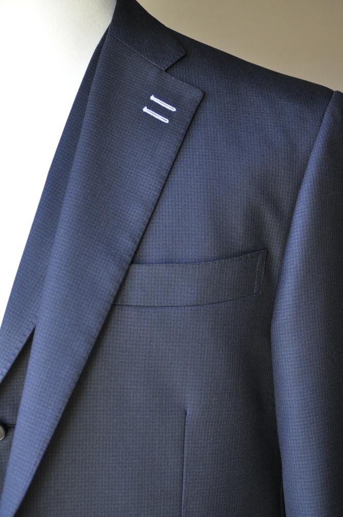DSC3420 お客様のスーツの紹介-ネイビー千鳥格子 スリーピース-