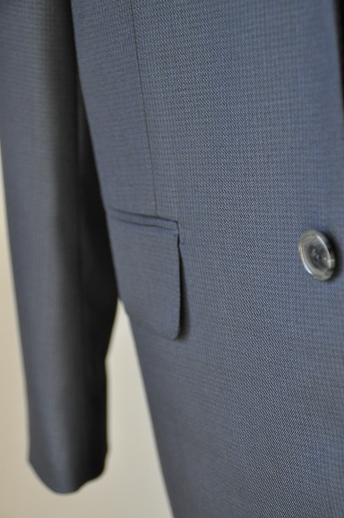 DSC3424 お客様のスーツの紹介-ネイビー千鳥格子 スリーピース-