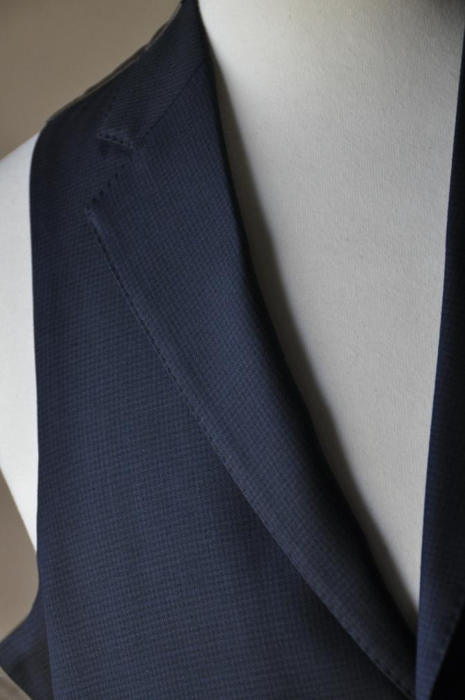 DSC3428 お客様のスーツの紹介-ネイビー千鳥格子 スリーピース-