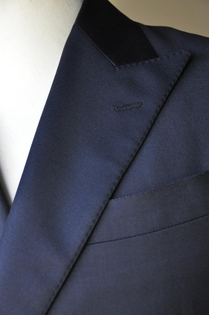 DSC3437 お客様のスーツの紹介-CANONICO ネイビ- ダブルスーツ-