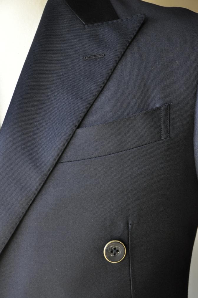 DSC3438 お客様のスーツの紹介-CANONICO ネイビ- ダブルスーツ-