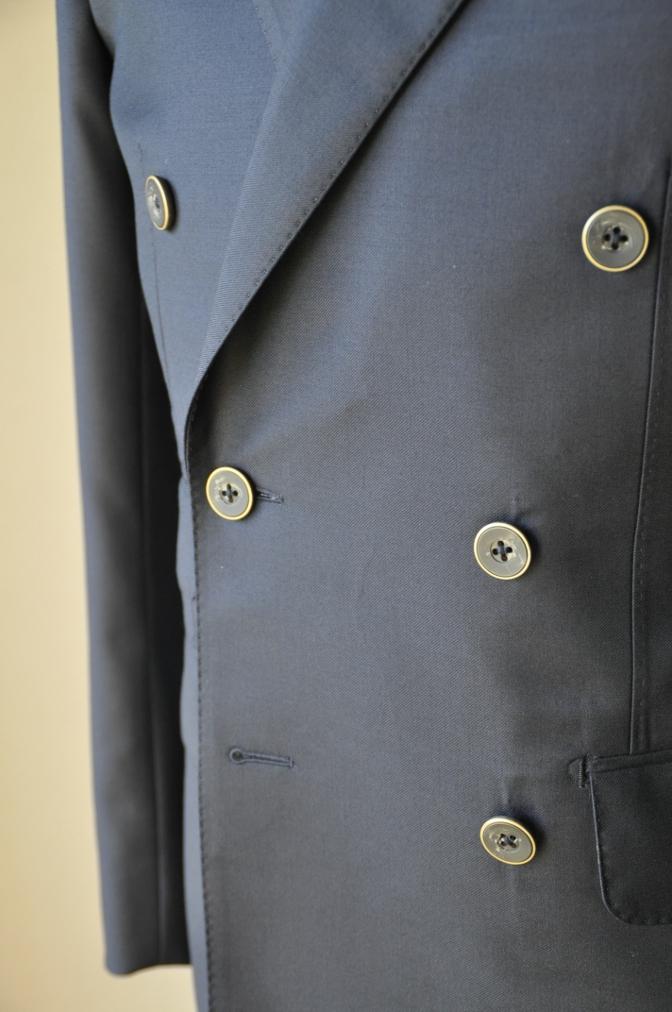 DSC3439 お客様のスーツの紹介-CANONICO ネイビ- ダブルスーツ-