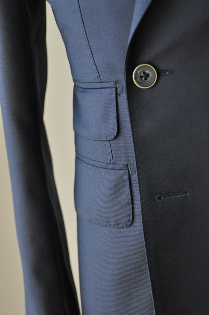 DSC3441 お客様のスーツの紹介-CANONICO ネイビ- ダブルスーツ-