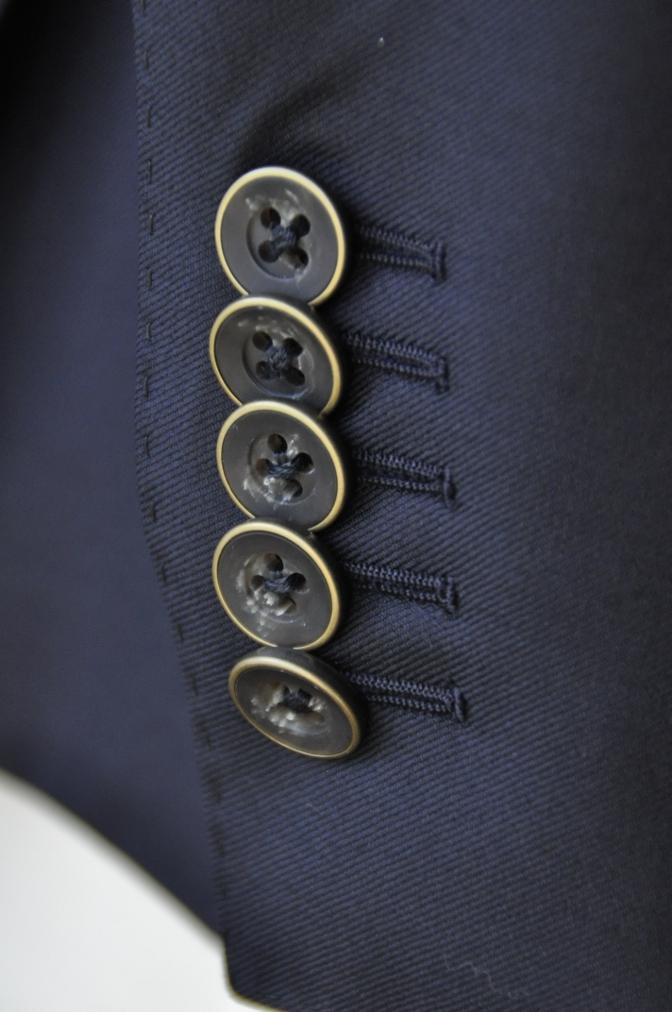 DSC3443 お客様のスーツの紹介-CANONICO ネイビ- ダブルスーツ-