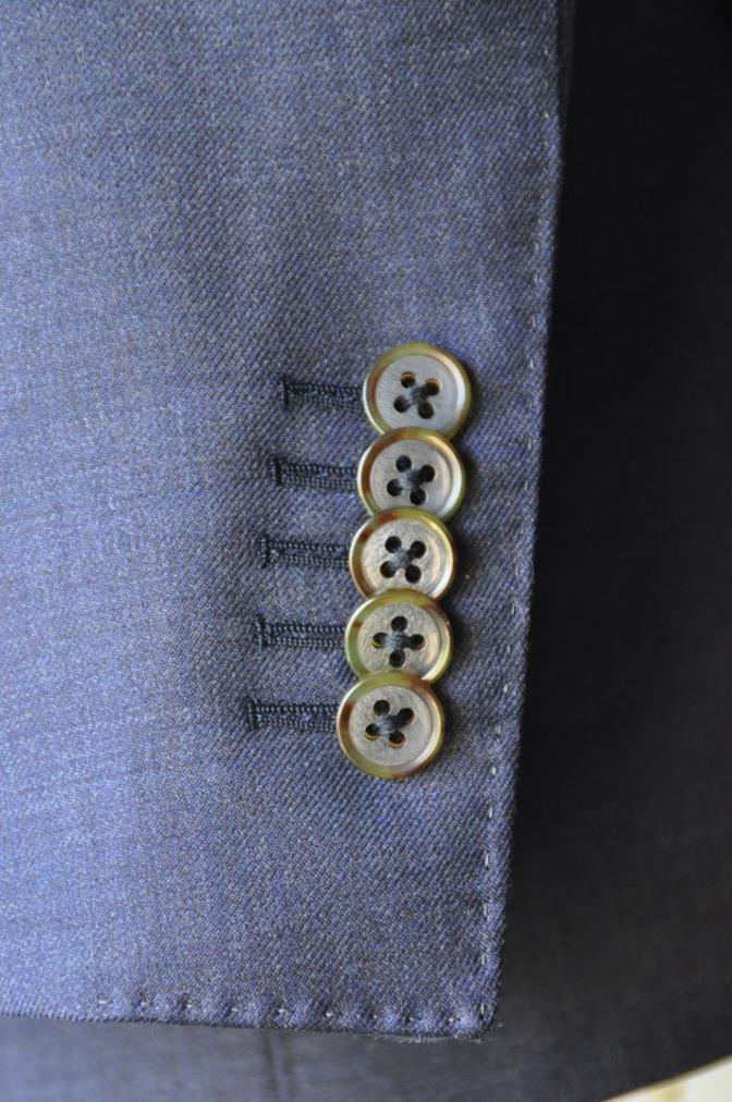 DSC3467 お客様のスーツの紹介-御幸毛織 無地ネイビースリーピース-