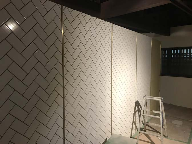 IMG_2684 着々と進む内装工事。 名古屋の完全予約制オーダースーツ専門店DEFFERT