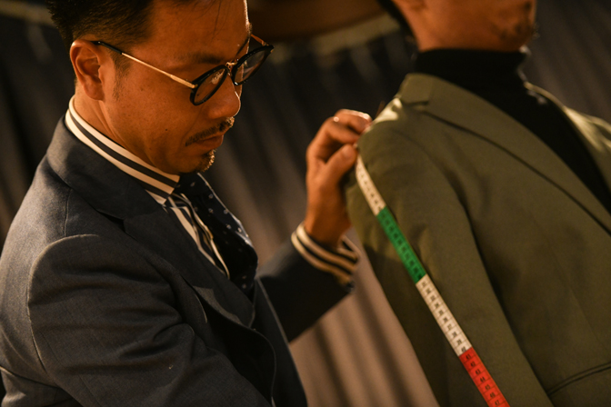 TP2_2764 Measuring 名古屋の完全予約制オーダースーツ専門店DEFFERT