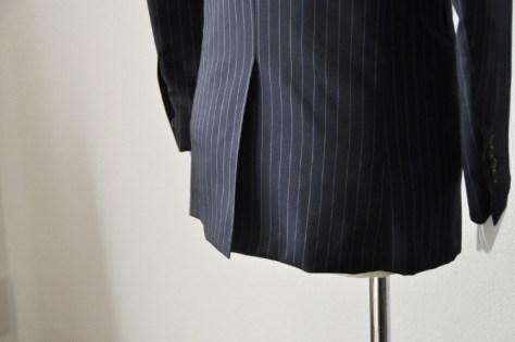 centre-vent-1 スーツスタイルに関する豆知識 名古屋市西区那古野オーダースーツ専門店