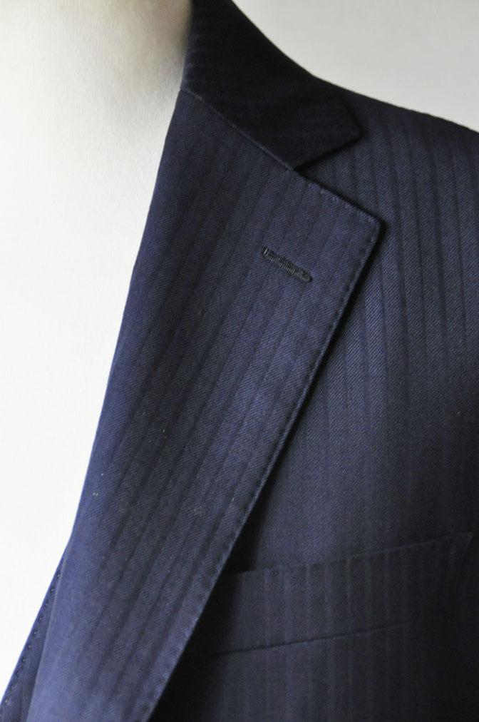 cf8033f81dd85eb4070b21655deab307 お客様のスーツの紹介-御幸毛織 ネイビーシャドーストライプ-