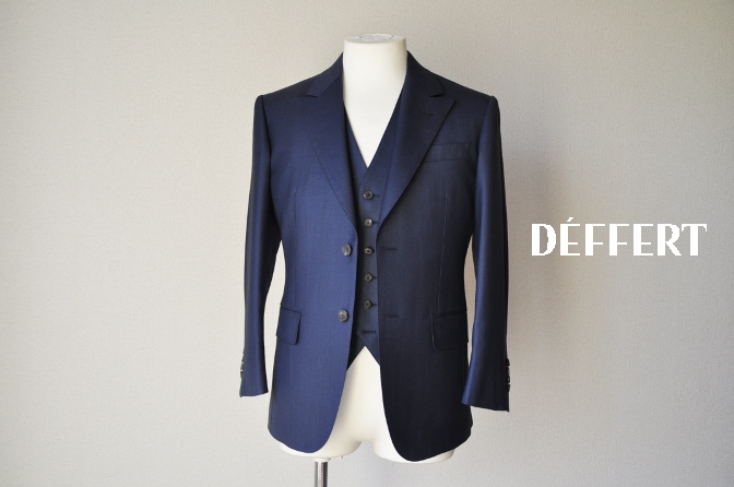 d62 お客様のスーツの紹介-DORMEUIL KRONO 無地ネイビースリーピース-