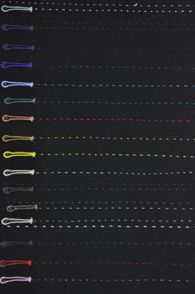 m_DSC2755 ボタンホール糸色変更 名古屋の完全予約制オーダースーツ専門店DEFFERT