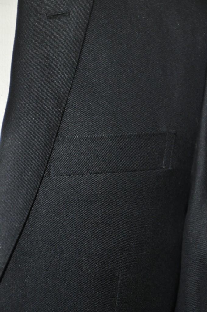 miyoshic-680x1024 オーダースーツ-テーマはロックのブラックスーツ