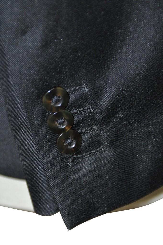 miyoshii-680x1024 オーダースーツ-テーマはロックのブラックスーツ