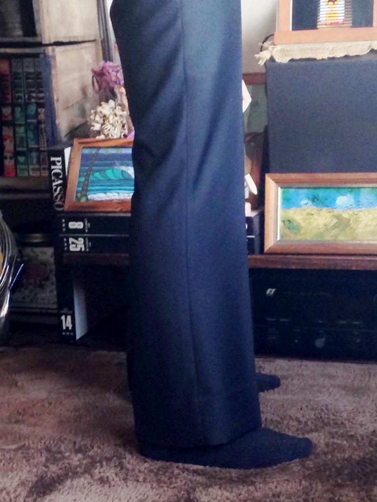 mmiyoshi1-768x1024 オーダースーツ-テーマはロックのブラックスーツ