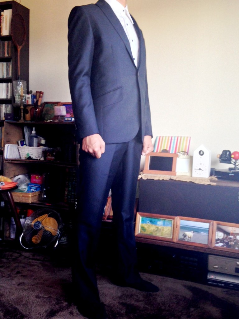 mmiyoshi2-768x1024 オーダースーツ-テーマはロックのブラックスーツ