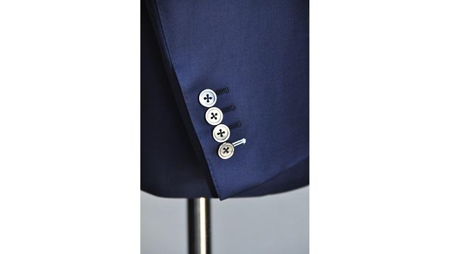 sode372 スーツの袖の長さについて